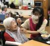 """Nhật ký TTS: Tỏa sáng như """"vầng mặt trời"""" ở viện dưỡng lão"""