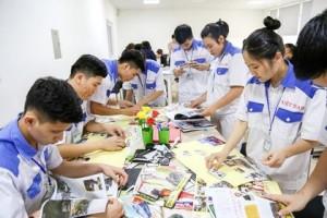 Thực tập sinh EK Group luyện kĩ năng đọc tiếng Nhật